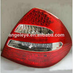 For Mercedes-Benz W211 E200 E230 E240 E280 E320 Tail Lamp 02 to 08 year Red White Type