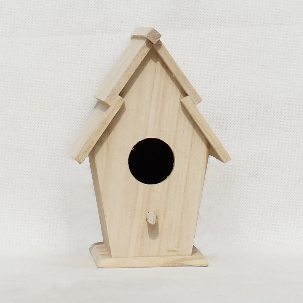 Birds wooden house/nest/cage outside