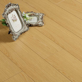 2019 new design Natural Oak color waterproof multi layer engineered wood floorings wear layer papers with plywood