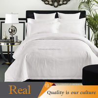 Beautiful and comfortable bed cover duvet for hotel beds