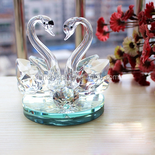 Crystal glass kissing swans MH-D0381