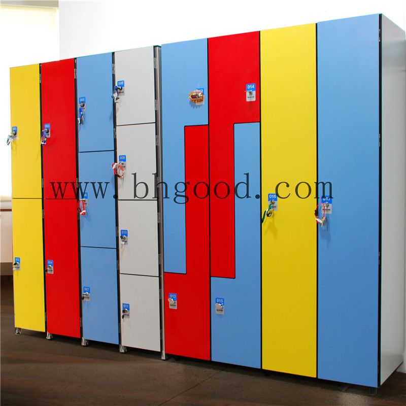 glossy anti-mildew phenolic z locker in gym