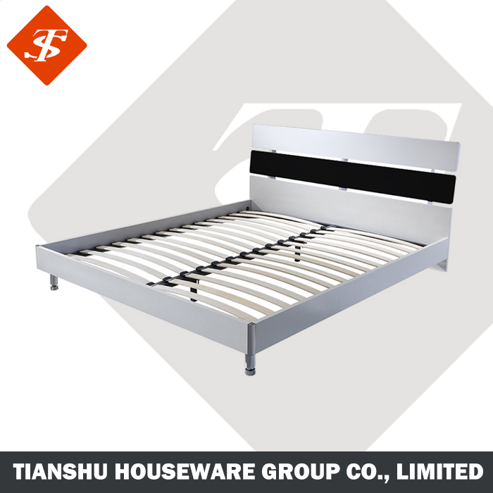 white comfortable king size frame plywood double bed designs