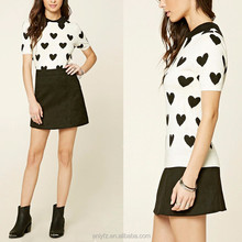 A heart print basic collar short sleeves keyhole back and ribbed trim short t-shirt