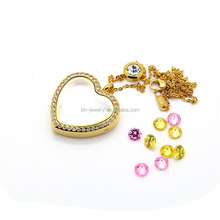 Dongguan Supplier 18K Plated Gold Heart Shape Personalized Crystal Locket with Magnetic Closure