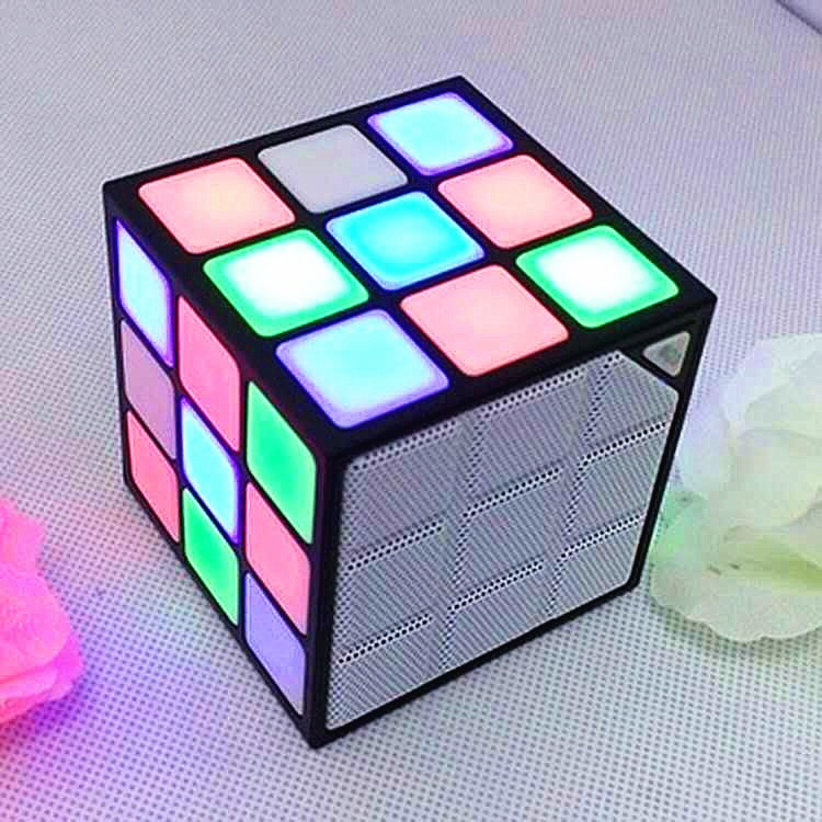 Superior spotlight Magic Cube mini bluetooth creative speakers