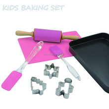 2017 Kids funny silicone baking set for cake decoration