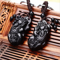Different Kinds of Chinese Traditional Piu Xiu Shape Handicrafts Type of Key Chain