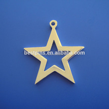 Fashion hot sale wholesale star shape charm pendant, exquisite metal tags with red ribbon