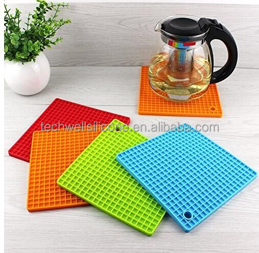 PH-003 flexible silicone trivet and jar opener silicone pot holder
