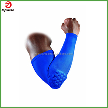 Pro sports gear manufacturer High quality Elbow sleeve with pad for basketball,rugby football,baseball