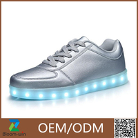 2016 New Style Colorful Running Sport Shoes Women and Men Led Light Shoes