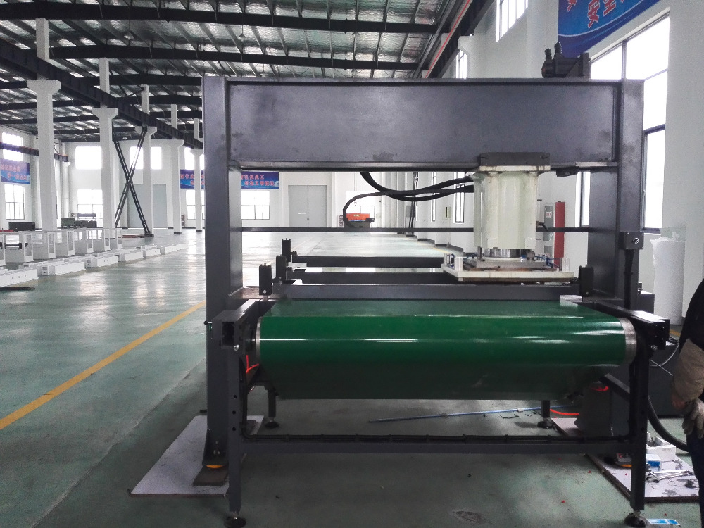 HYL3-250/300 Precise four-column automatic step feeding travel head cutting machine