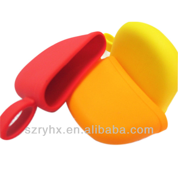 Eco-friendly food grade silicone short handle pot grips