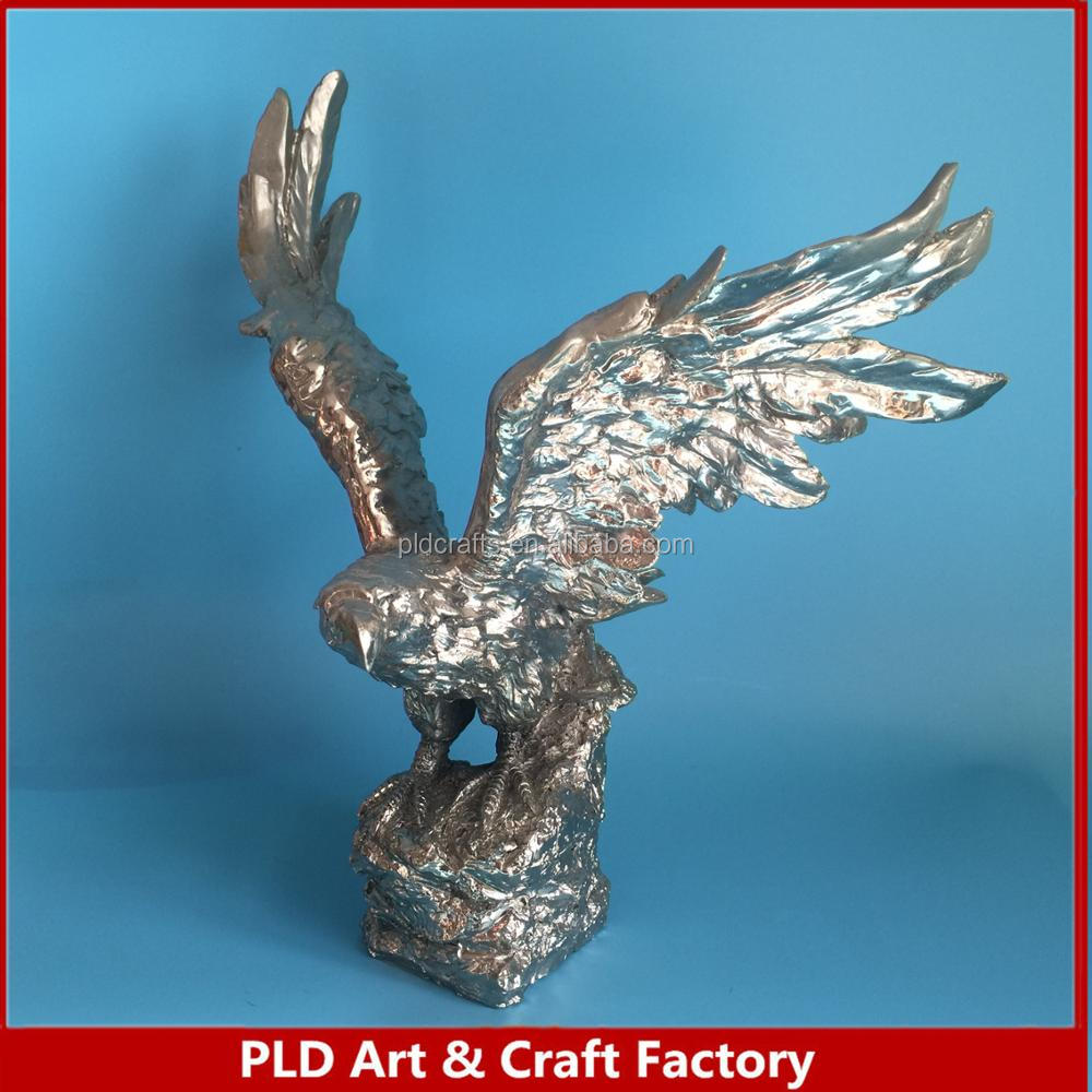 New design exquisite gold plated custom resin eagle statue