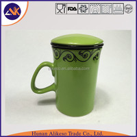 Tall and green color stoneware ceramic coffee/tea/soup mug with handle and lid from China manufacturer