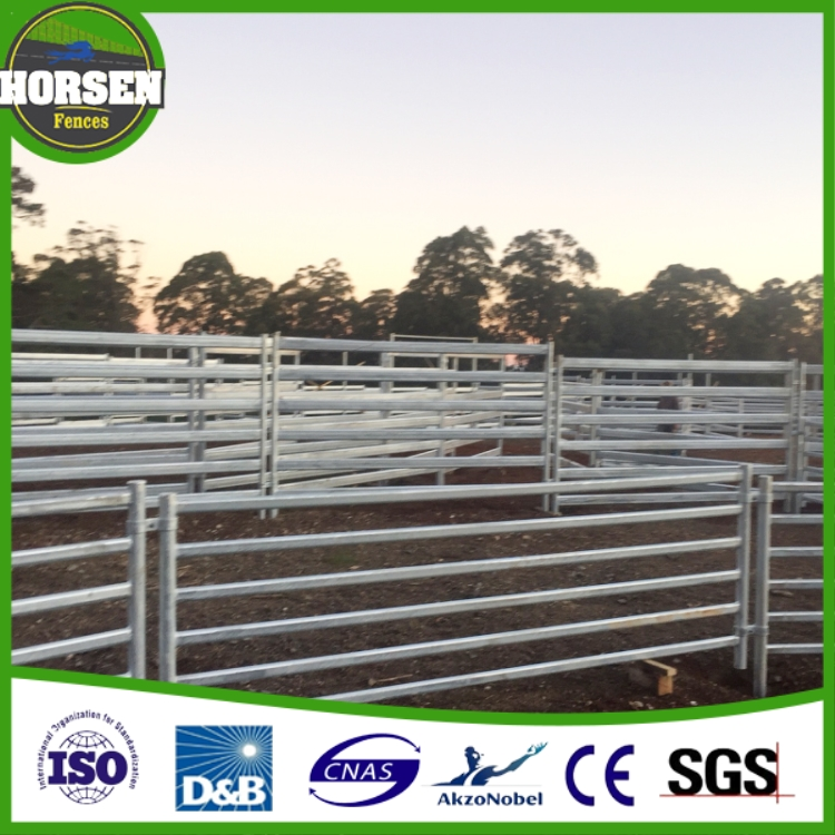 2016 new design the Most Safety hinge jointed horse fencing types