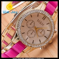 WJ-4602 fashion diamond luxury women watches with rubber colored rose gold watch