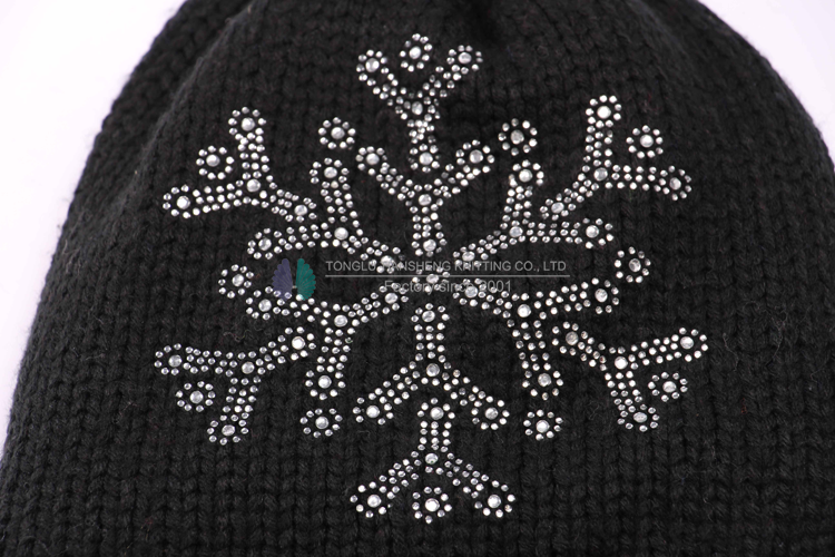New pompom knitted fashion beanie hat