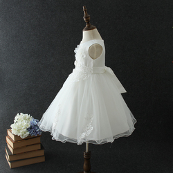 Elegant Kids White Ruffle Party Wear Girls' Dresses
