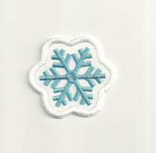 Christmas Embroidery Patch Customized Wholesale High Quality Cute snow Embroideried Patches Badge iron on