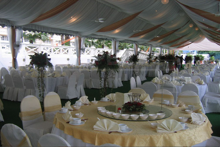 Tables and chairs weddings decorations tents for sale in for Table and chair decorations for weddings
