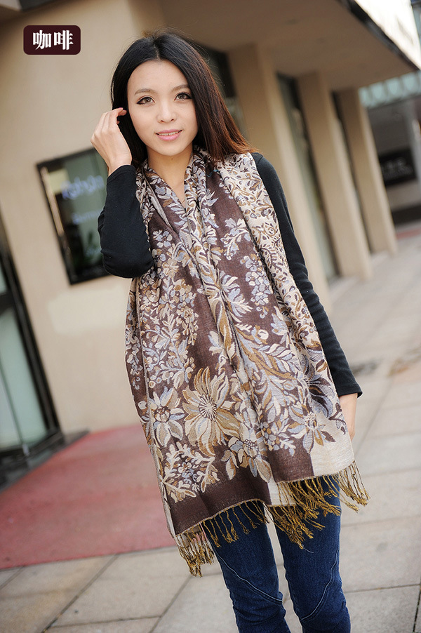 China Yiwu pashmina flower custom polyester lady travelling shawl scarf