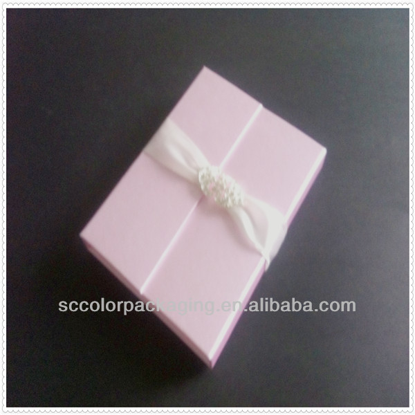 unique thai silk boxes with ribbon and customized Jewelry clasp