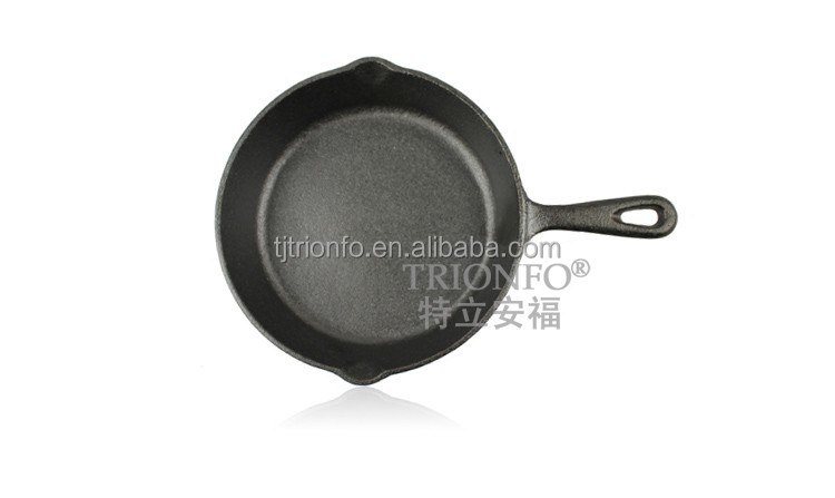 TRIONFO pre-seasoned 20cm cast iron frying pan with long handle