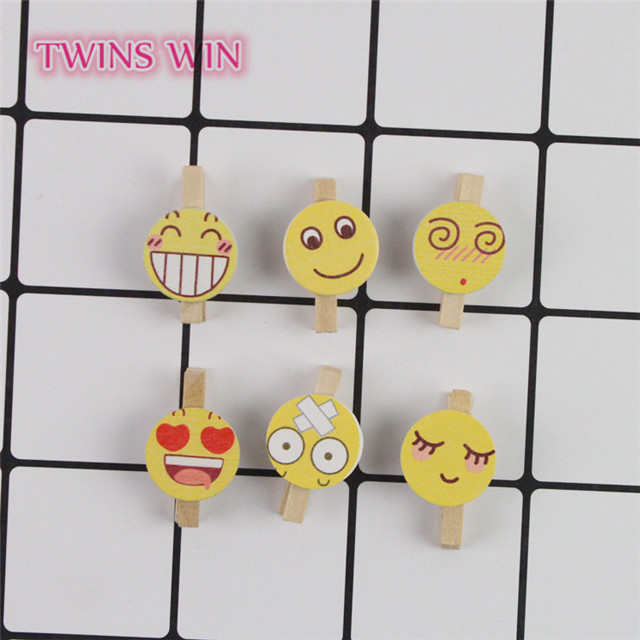 customized promotional new gift items household products good quality emoji design mini wooden clips