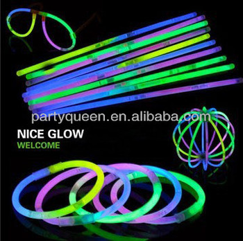 glow in dark stick and bracelet and necklace