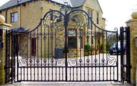 Beautiful Wrought Iron High Quality Factory Main Gate Designs Made in China