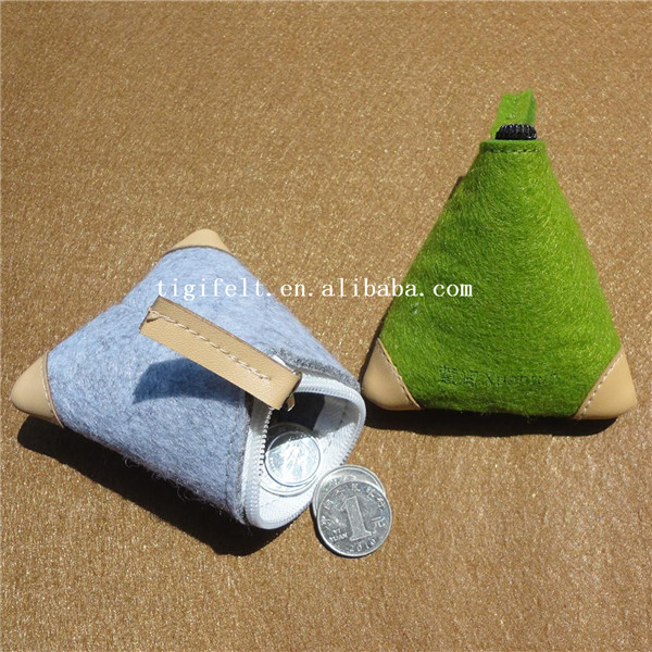 Felt coin purse with zipper