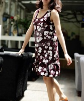 Very soft Showy Elegant shape Beautiful Western Neck Patterns For Ladies Dresses