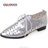 New arrival pointed toe lace up flat woem shoes patent leather hollow out ladies flat casual shoes wholesale