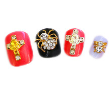 Unique Popular Fashion Halloween 3D Metal Nail Art Jewelry Fluorescence Ghost & Skull & Spider Designs Supply NailArt Decoration