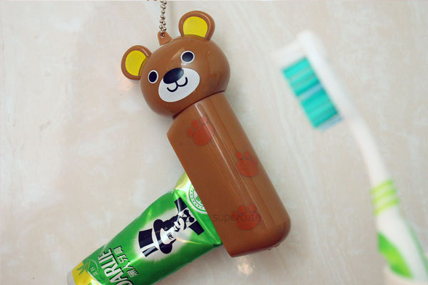 Animal shaped automatic toothpaste dispenser in high quality