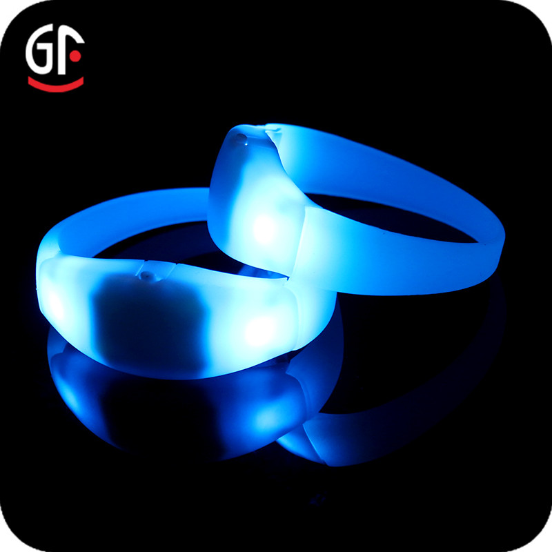 Festival Souvenirs Frequency 433/868/915 Wireless Remote/Radio/RFID Controlled DMX LED Flashing Bracelet