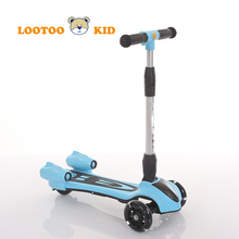 China interesting children toy spray water function sliding folding scooters for teenagers