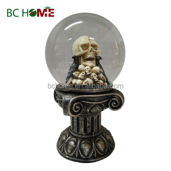 2015 New design Halloween snow globe with skull and crow inner