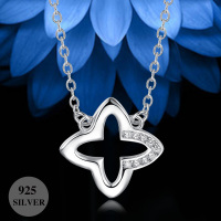 Low MOQ wholesale 925 silver jewelry clover shaped pendant necklace