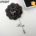 Full hand-made black attracitive fabric center wooden flower brooch pins for men's suits decoration
