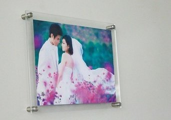 High transparent acrylic wall frame