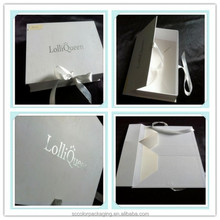 White Gift Boxes Flat Packagings With Hot Silver Logo ,Flat Packing Boxes With Silver Ribbon