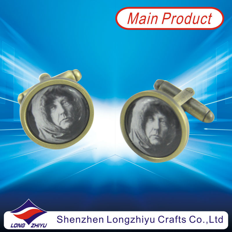 Polpular funny cufflinks printing old woman with clear epoxy