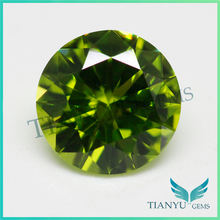 6.mm Round Brilliant cut #172 Synthetic Diamond Green Green Nano Gems