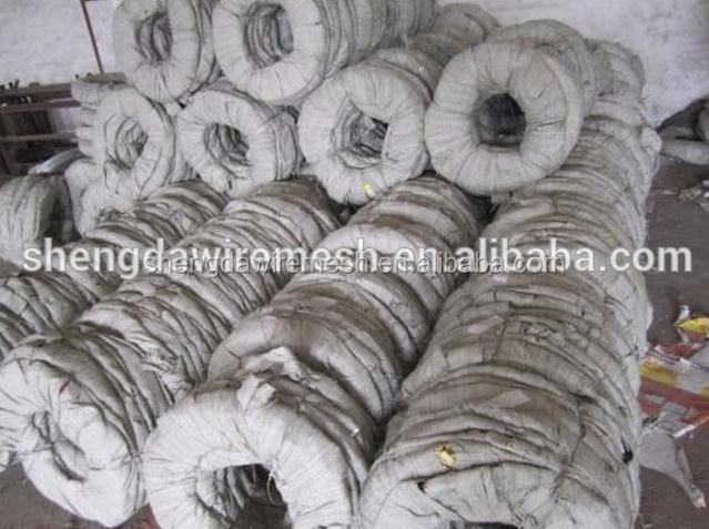 High quality cheap pvc coated barbed wire 3-5mm galvanized stainless steel ss barbed wire(direct factory)