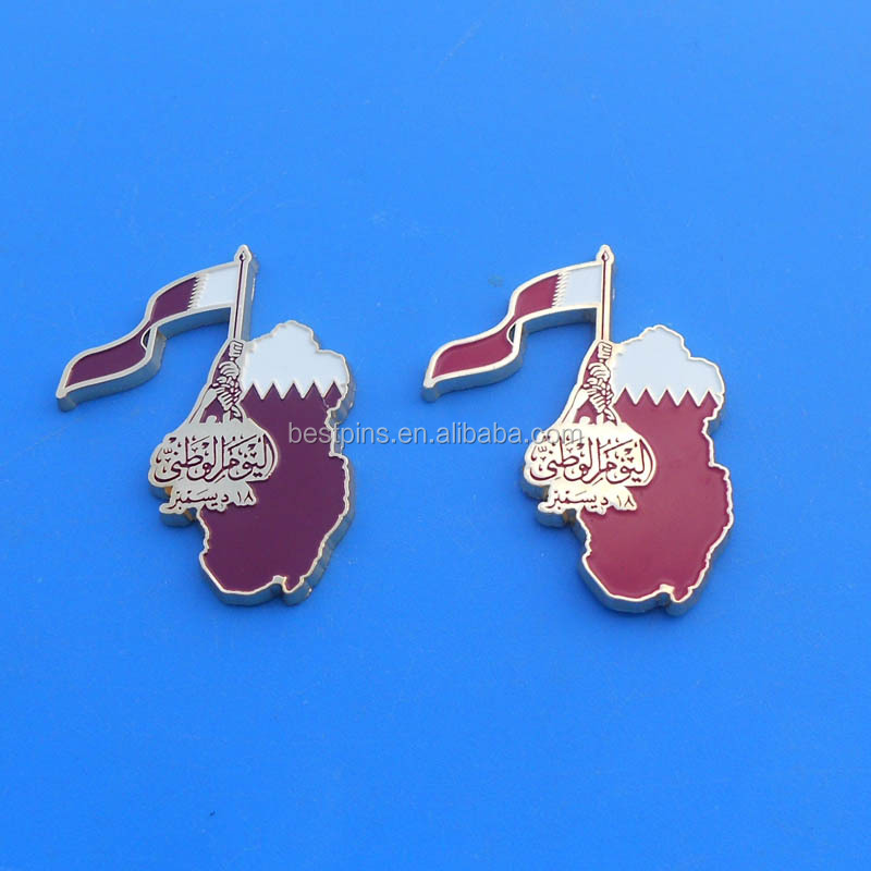 Promotional gloden enamel Qatar map and national emblem logo metal badge