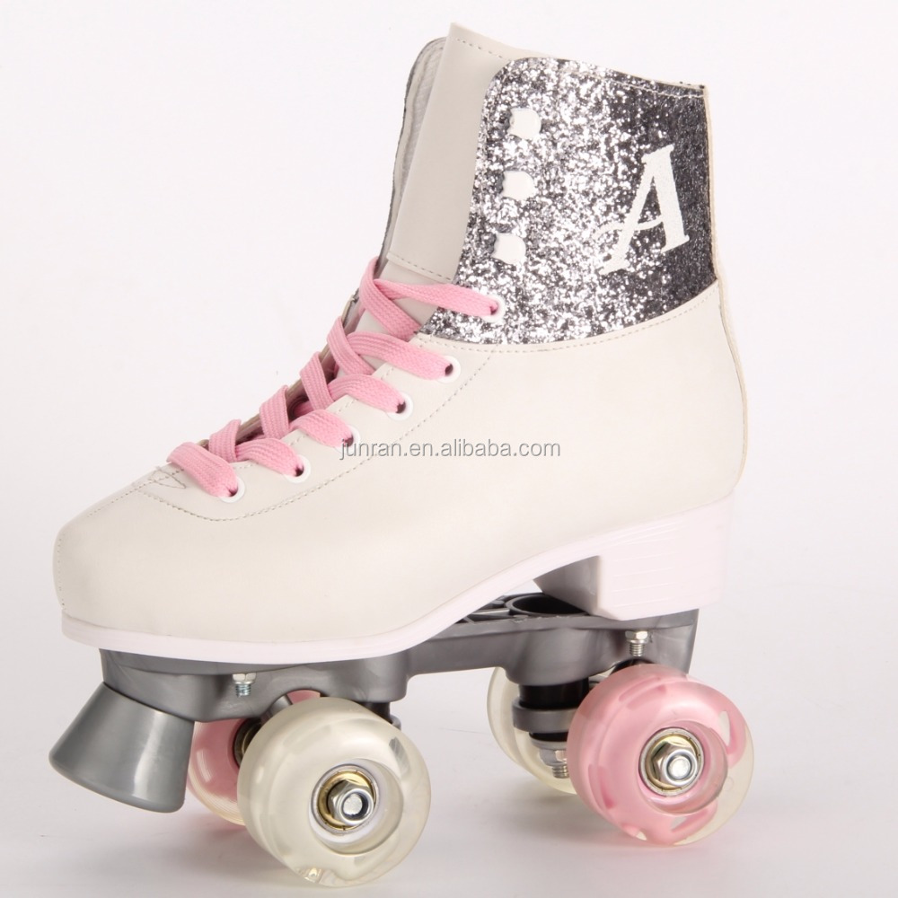 The new fashional types of hot selling patines quad roller skate about soy luna that suitable for kids with helmet and protector