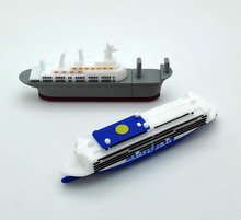 Promotional car/ship/ usb 2.0 8gb/16gb/32gb flash drive for smartphone and computer